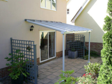 <p>A simple, basic Verandah, 4 x 2m, in a delicate shade of grey</p>