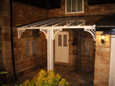 <p>This alcove Verandah in our standard lattice style matches the original lead and iron windows. Located in Lincolnshire, 3.6m wide by 2.9m deep.</p>