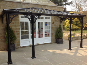 <p>A beautiful hipped verandah with our new base castings.</p>