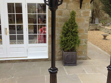 <p>Our new style column with a cast base.</p>