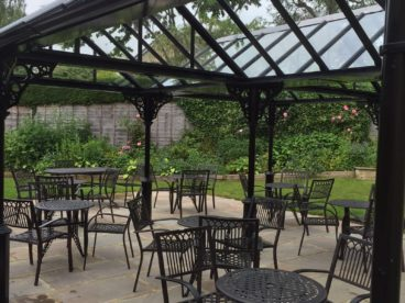 <p>This hotel in Harrogate really benefits from being able to offer outdoor dining whatever the weather. The double apex roof enabled us to create a double width structure</p>