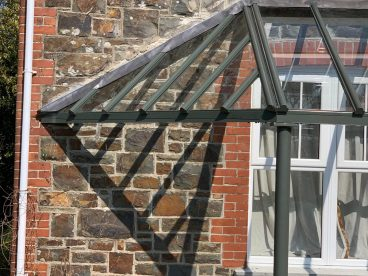 <p>A closer image shows how we can manufacture each verandah to match your own individual vision, here we created a bespoke triangular return as per the original structure. </p>